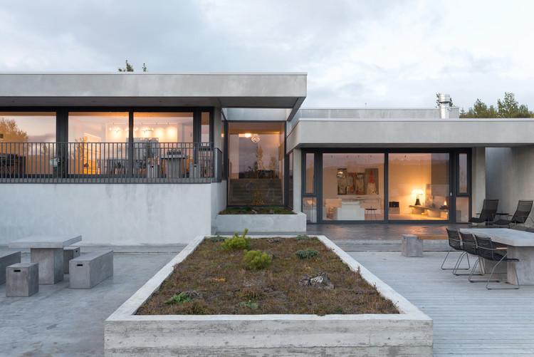 Private Residence in Garðabær / Trípólí, © Rafael Pinho