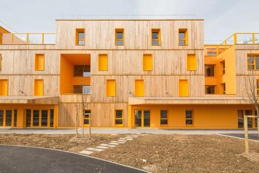 Casa de Repouso Morangis / VOUS ETES ICI Architectes © 11H45