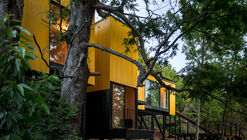 Yellow House / Alejandro Soffia