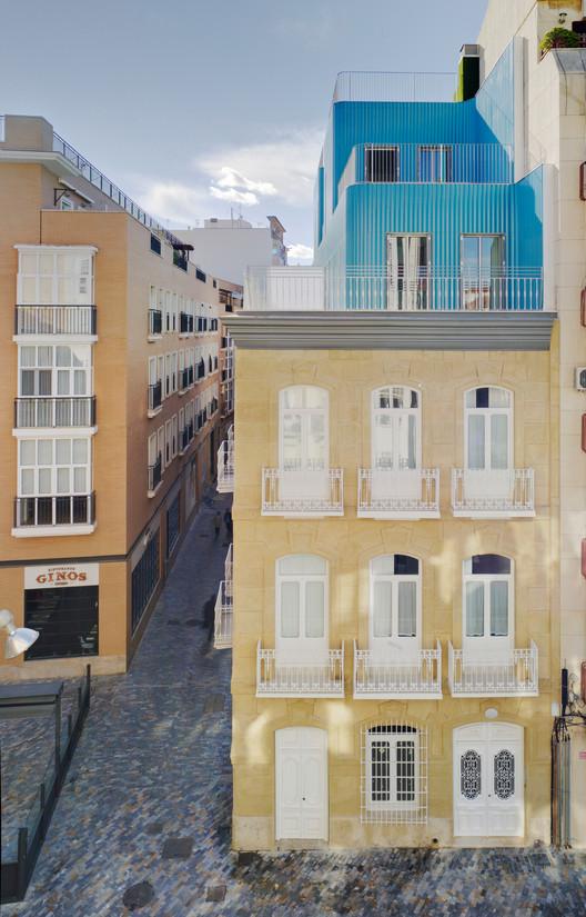 Tivoli Building / Martin Lejarraga