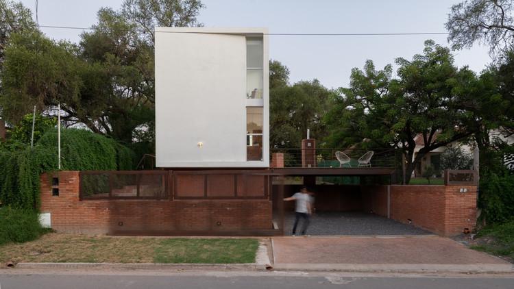 Las Delfinas House / Andrés Alonso, © Gonzalo Viramonte