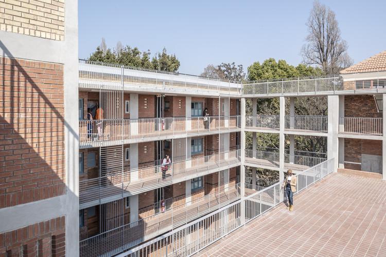Dormitórios estudantis Barnato Fase 1 / 26'10 south Architects, © David Southwood
