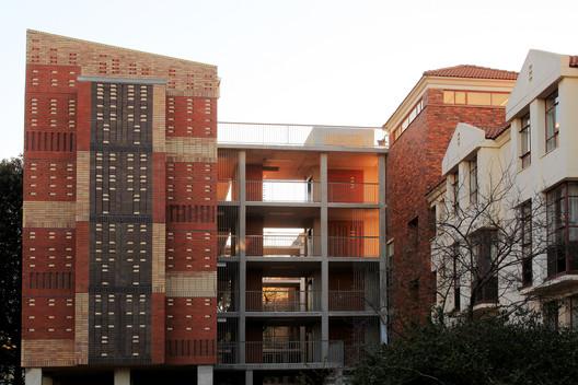 Barnato Hall Addition Phase 1 / 26'10 south Architects