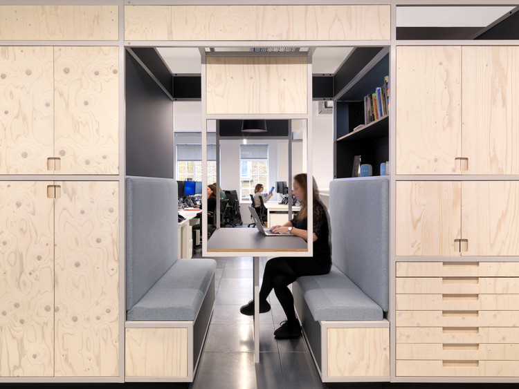 Pocket Living Workspace / Threefold Architects, © Charles Hosea Photography