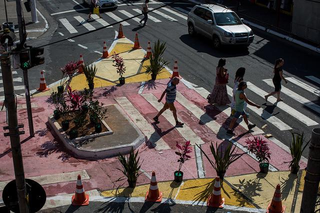 Praças, parklets e outros espaços públicos: mudanças na legislação permitem que as pessoas transformem suas cidades, Intervenções temporárias podem transformar a paisagem e o uso do espaço público (Foto: Victor Moriyama/WRI Brasil)