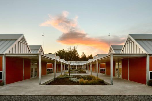 Escuelas Primarias Rurales / Gutiérrez Arquitectos + Escobedo Soliz