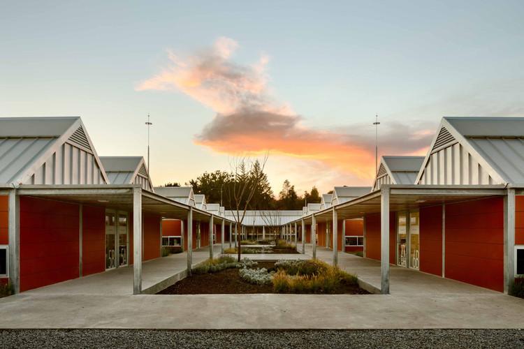 Reconstrução das escolas de ensino fundamental em Puebla  / Gutiérrez Arquitectos + Escobedo Soliz, © Rafael Gamo