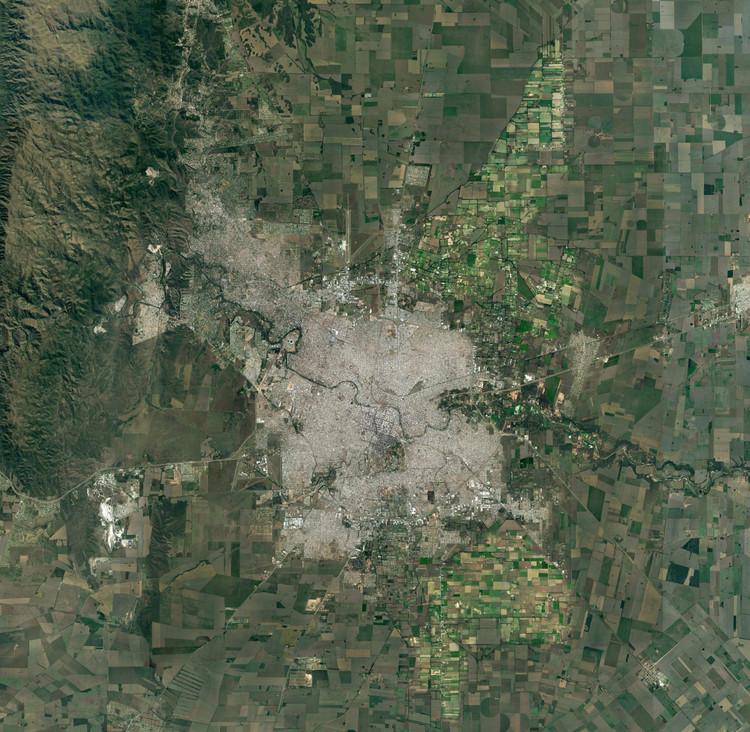 El paisaje rural metropolitano de la Ciudad de Córdoba,  ¿Campo o Ciudad? El avance de la Urbanización. Image Cortesía de Laboratorio de Urbanismo de Córdoba