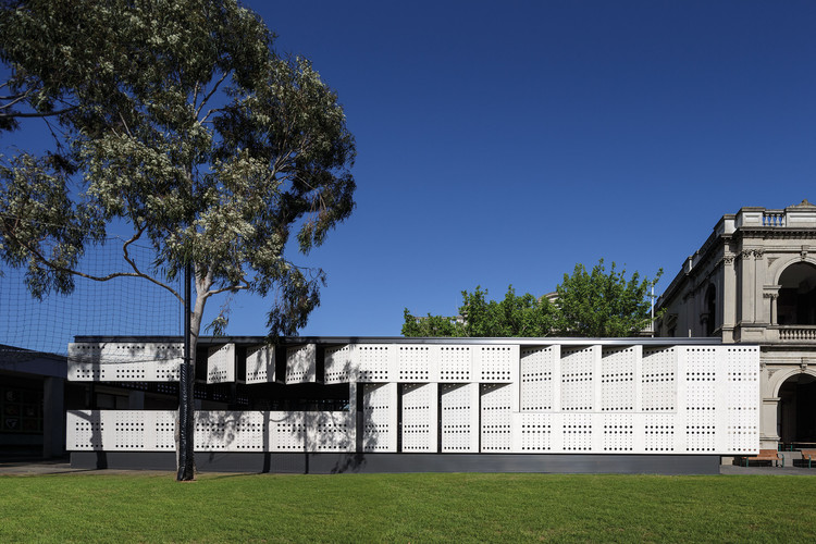 Caulfield Grammar School / Hayball, © John Gollings