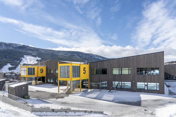 Gol Skule / Vis-á-Vis Architects, © Jiri Havran