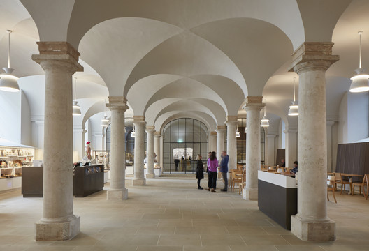 The Painted Hall / Hugh Broughton Architects