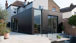 Charcoal House / Yellow Cloud Studio