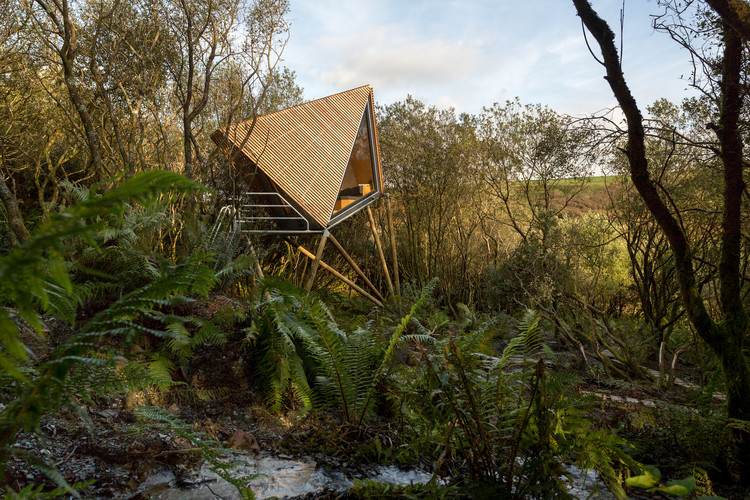 Kudhva Wilderness Cabins / New British Design, © George Fielding
