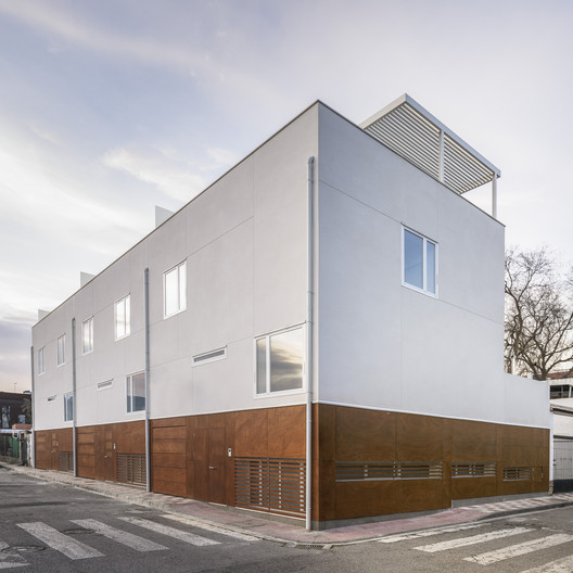Three Houses in Armilla / Martinez y Soler Arquitectura