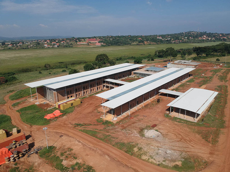 Renzo Piano Designs Emergency Hospital in Uganda with Rammed Earth Walls, © Archivio Emergency