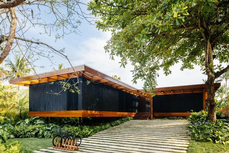 Casas brasileiras: 10 residências que usam pré-fabricação, Residência RT / Jacobsen Arquitetura. © Pedro Kok