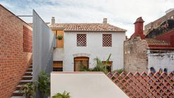 El Cabanyal Residential Renovation / David Estal + Arturo Sanz