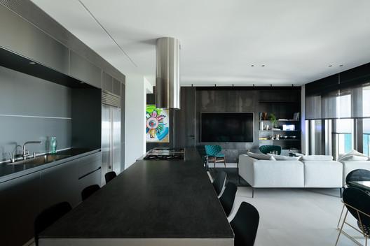 B.C House / Architect Oshir Asaban