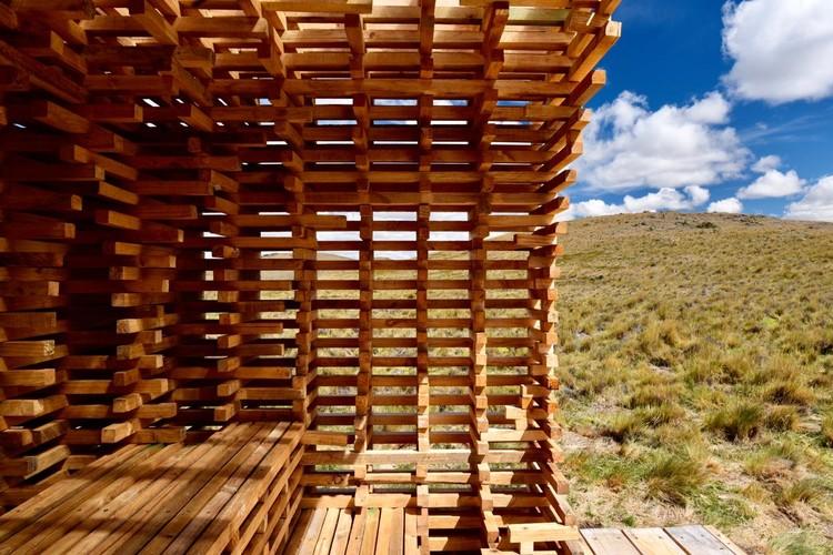 Estudiantes exploran las posibilidades de las estructuras para secado de madera, © Guy Wenborne