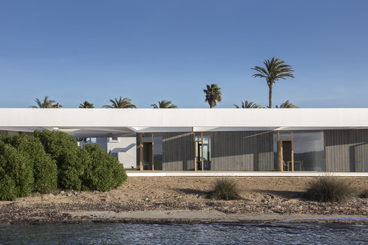 Formentera Water Sports Center / Marià Castelló Martínez
