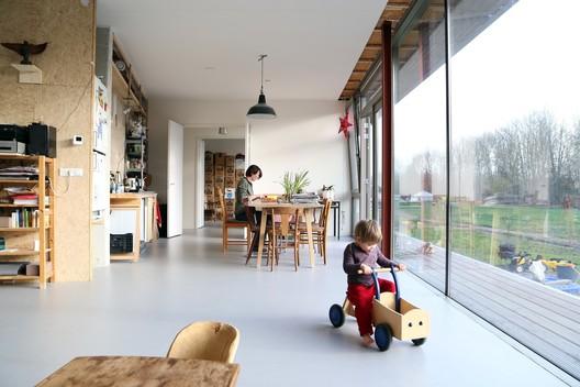 Oosterwold Co-living Complex / bureau SLA. Image Cortesia de Filip Dujardin