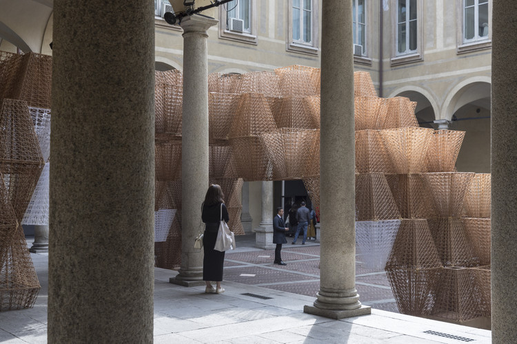 Top 5 Courtyard Installations at Milan Design Week Through the Lens of Laurian Ghinitoiu, Conifera by COS x Mamou-Mani. Image © Laurian Ghinitoiu