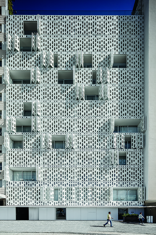 Emiliano RJ / Studio Arthur Casas + Oppenheim Architecture
