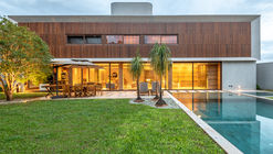 Casa Rio Claro / Celso Laetano Arquitetura