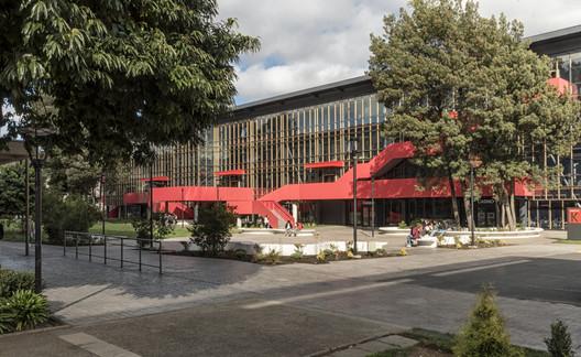 Edificio K, Facultad de Arquitectura y Construcción Universidad Autónoma de Chile / Schmidt Restrepo Arquitectos