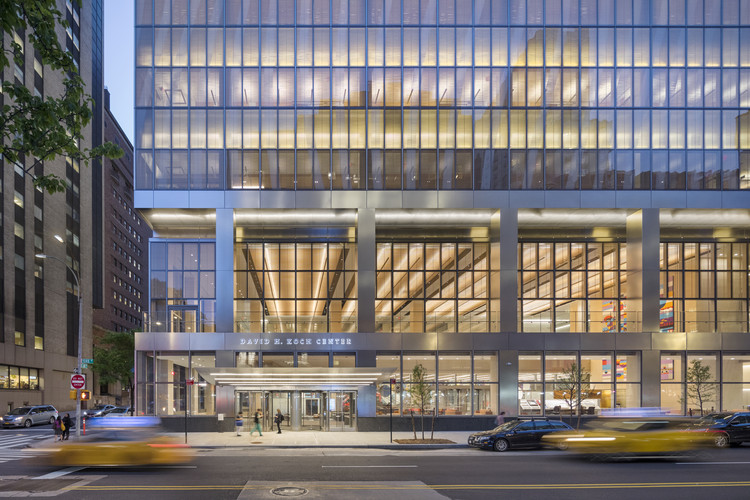 NewYork-Presbyterian David H. Koch Center  / HOK + Ballinger + Pei Cobb Freed & Partners, © Albert Vecerka Esto