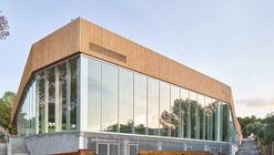 Centro deportivo Queens Centre / Alfonso Reina Arquitectura