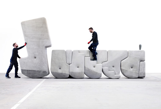 Cómo mover enormes bloques de cemento con las manos