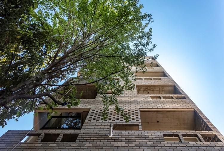 Edifício LL 2474 / Arqtipo, © Federico Kulekdjian