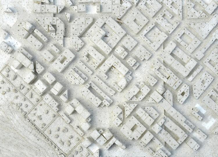"""Por um meio ambiente mais arRUAdor, A cidade na construção do meio ambiente: """"Um lugar para estranhos"""" ou um lugar que só deixa de ser neutro e abstrato quando pintado por cada um de nós? Imagem de Paulo Pacheco"""