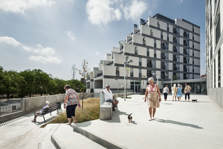Tendencias Marzo 2019: Arquitectura Inclusiva, 114 Public Housing Units / Sauquet Arquitectes i Associats. Image © Jordi Surroca