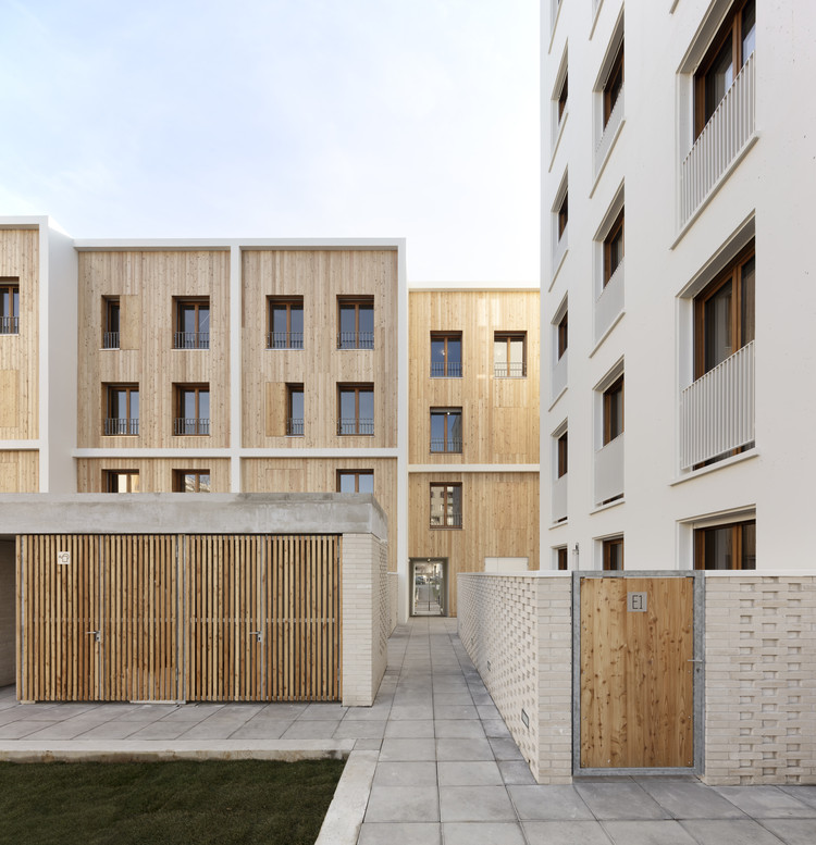 71 Social Housing Units La Courneuve / JTB.architecture + MaO architectes, Courtesy of Luc Boegly
