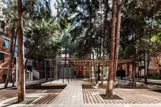 Construyendo Común-Unidad / Rozana Montiel | Estudio de Arquitectura. Image © Sandra Pereznieto