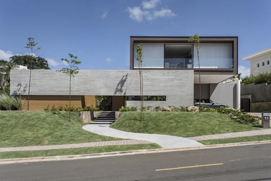 Marubá Residence / Padovani Arquitetos Associados