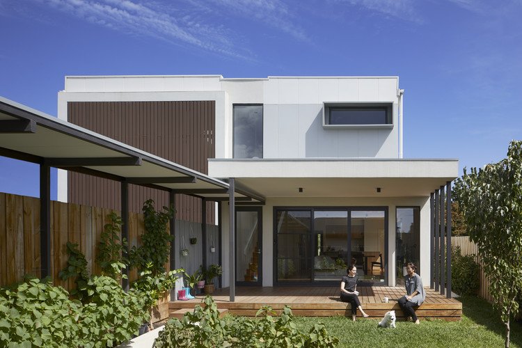 Box Hill North Townhouse / Inbetween Architecture