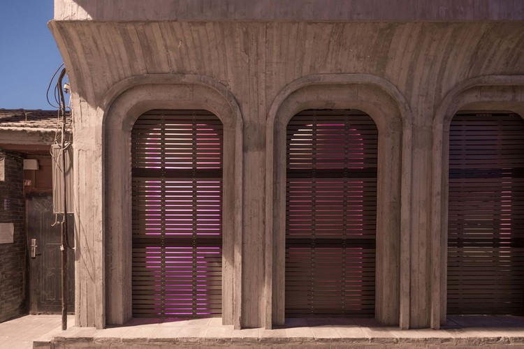 1F facade. Image © David Chu