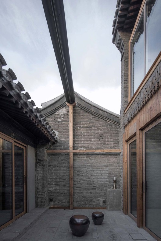 courtyard west. Image © David Chu