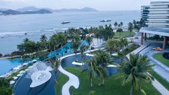 JW Marriott Hotel Sanya Dadonghai Bay / W&R Group