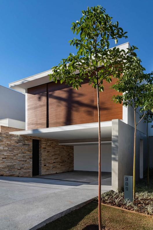 Residência Sabará / Padovani Arquitetos Associados, © Evelyn Müller