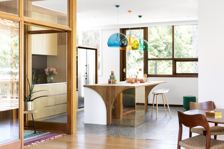 Modernist Wonderland Renovation  / WOWOWA Architects