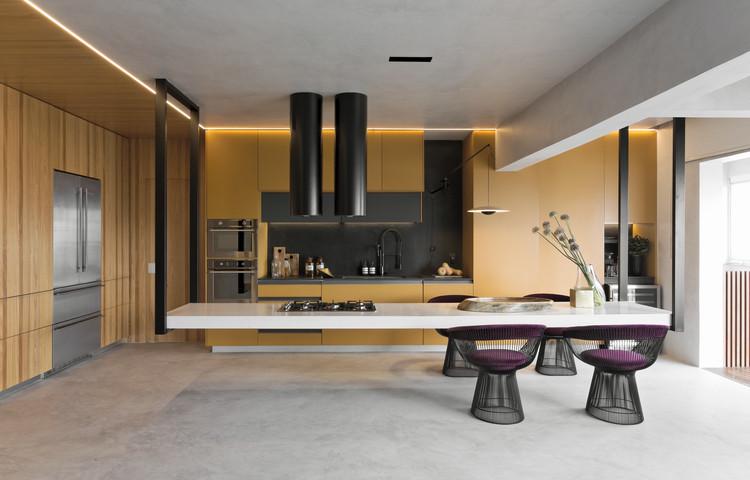 Cozinha Dijon / Diego Revollo Arquitetura, © Alain Brugier
