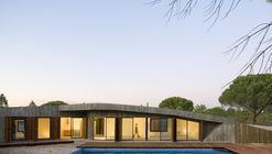 Casa Monte / Pereira Miguel Arquitectos