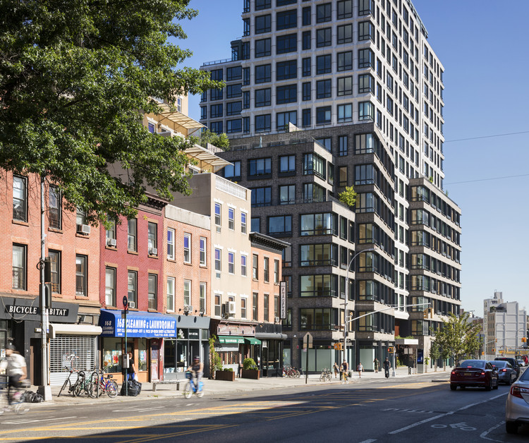550 Vanderbilt Apartments / COOKFOX Architects, © Chris Payne / Esto