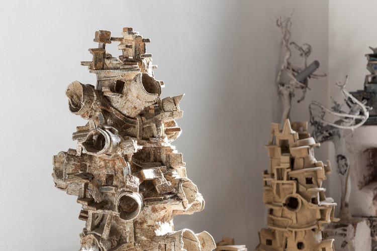 Conoce las esculturas de Ivan Kurov que exploran la naturaleza y transformación del espacio, © Zaickz Moz