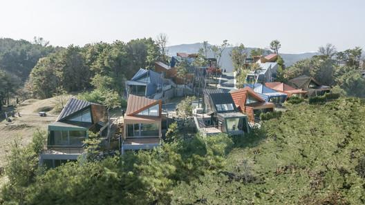 Stella Fiore / IROJE KHM Architects