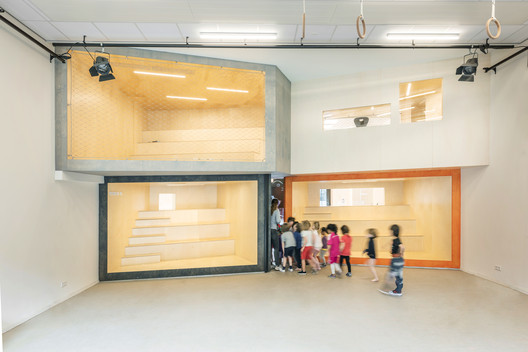 Escuela Montessori De Scholekster / Heren 5 Architects